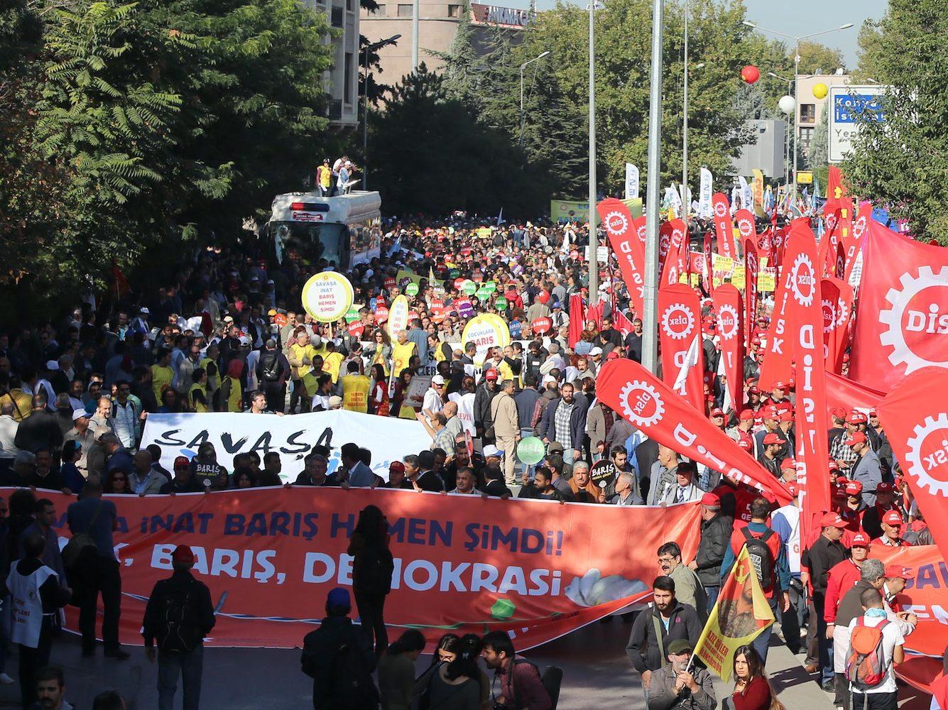 Barış, emek, demokrasi mitingine bombalı saldırı