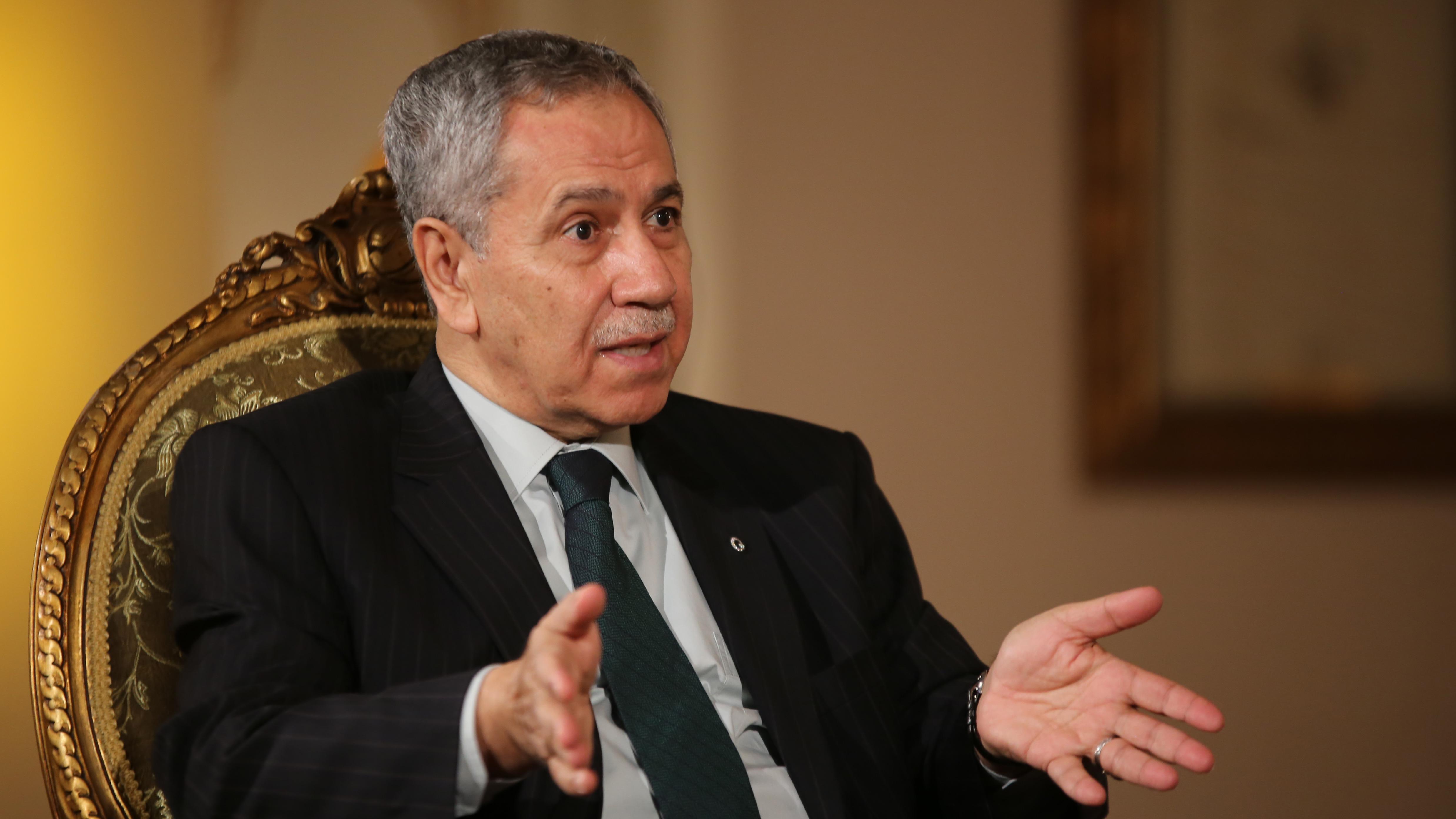 Bülent Arınç'tan AKP'ye Sarraf salvoları