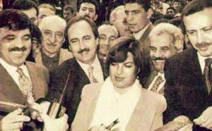 Eski güzel mutlu günlerden... Bank Asya açılışında Abdullah Gül, Tansu Çiller, Recep Tayyip Erdoğan Fethullah Gülen ile birlikte...