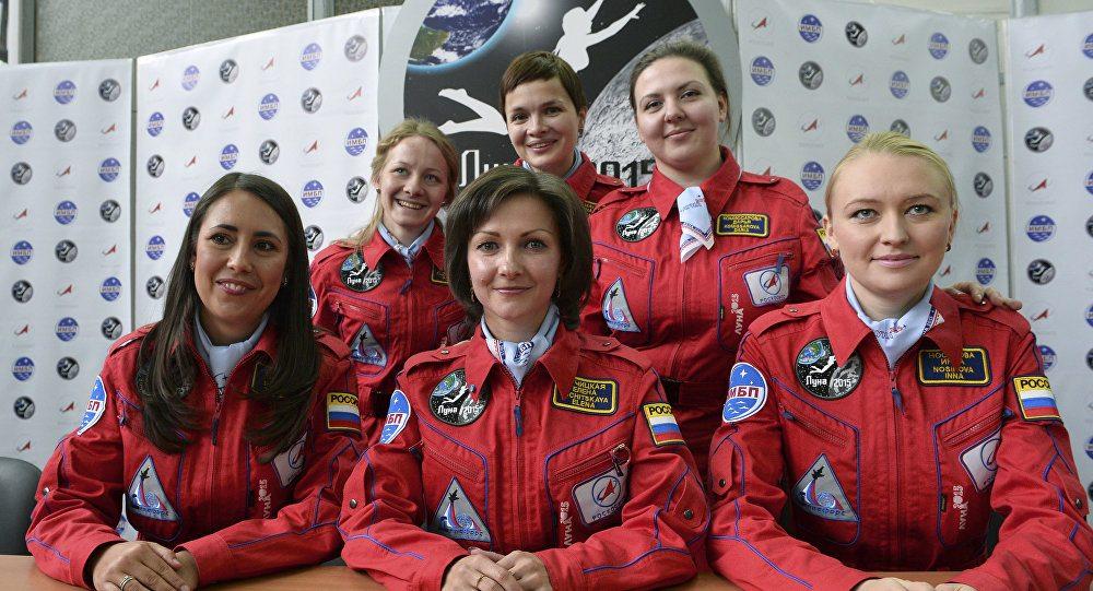 Kadın kozmonotlar ay yolculuğuna hazırlanıyor