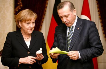Avrupa Birliği ve Merkel'den Erdoğan'a Can Simidi mi?
