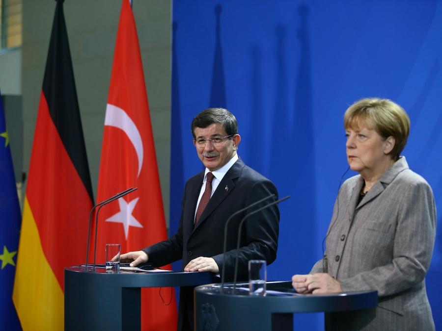 Merkel Gitti, Pazarlık Sürüyor: Mülteciler Üzerinden AKP'nin Meşruiyet Arayışı