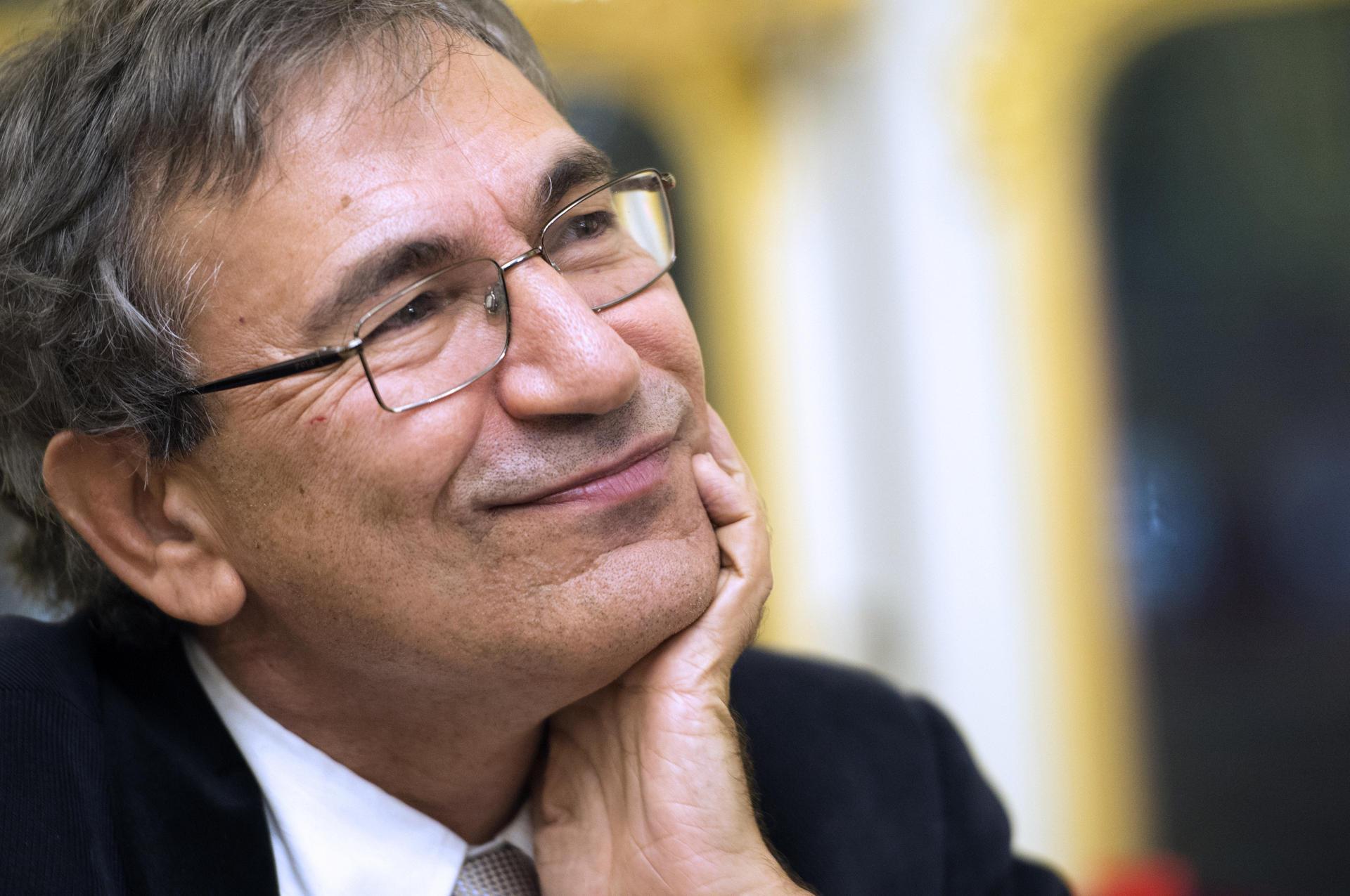 Orhan Pamuk'un kafasındaki tuhaflık!