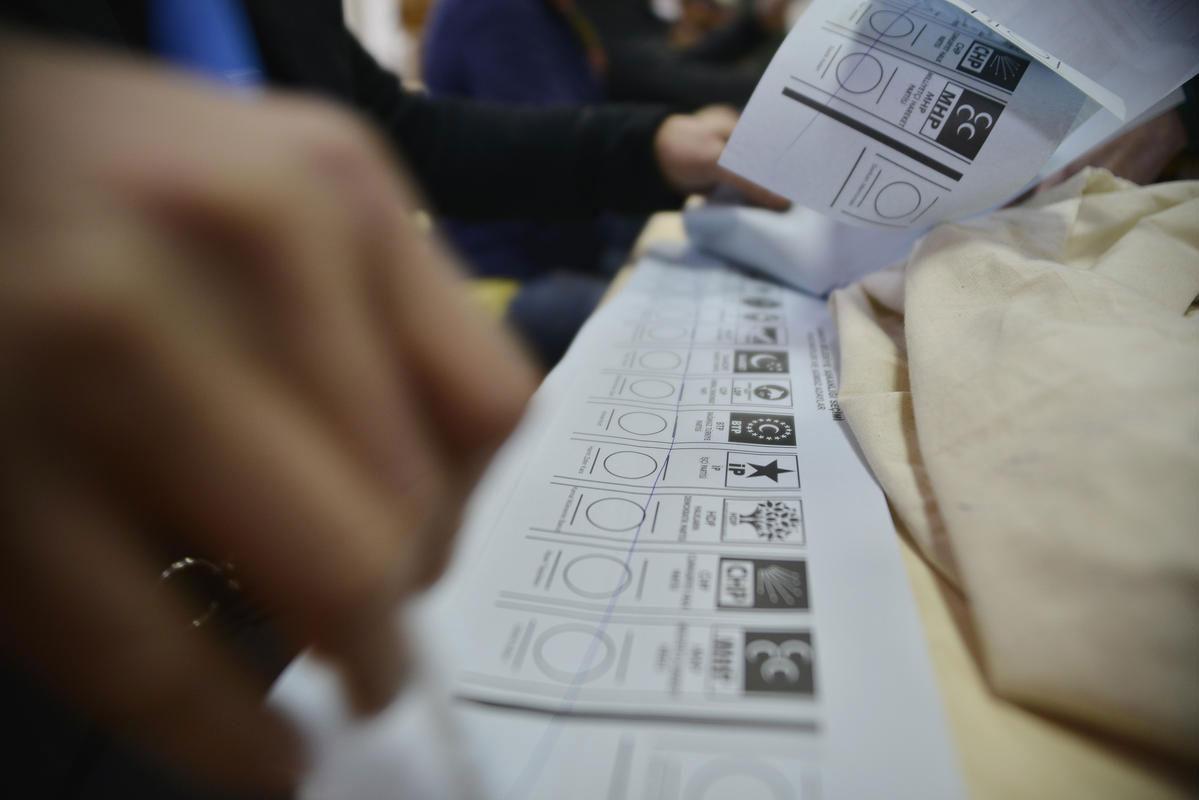 Erken seçim resmileşti