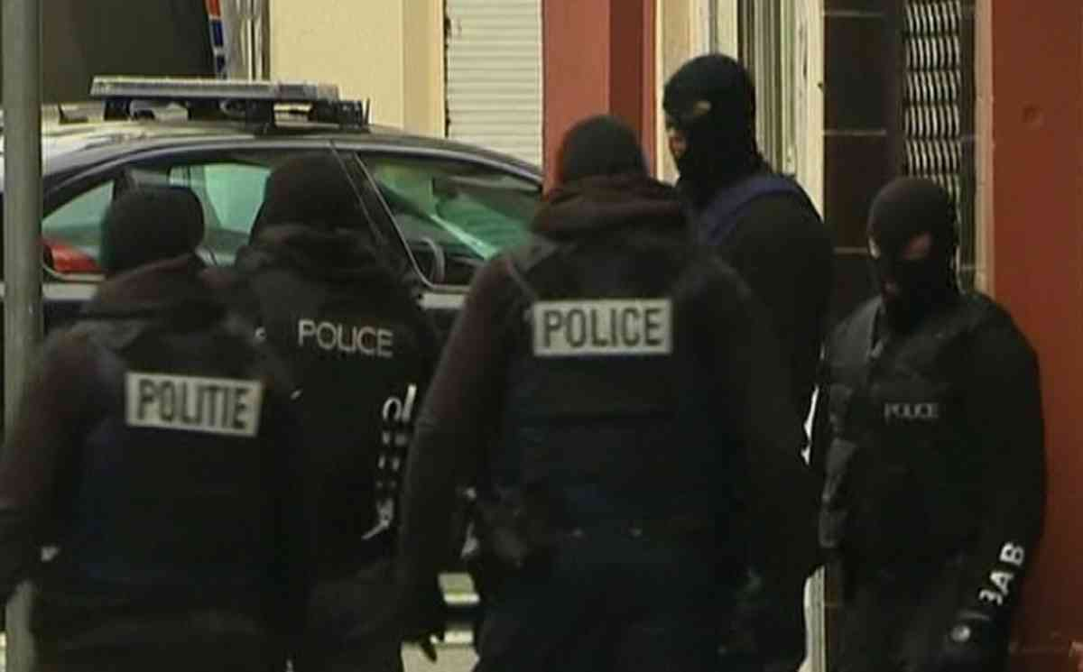 Manifesto_Paris_çatışma_Saint Denis_operasyon