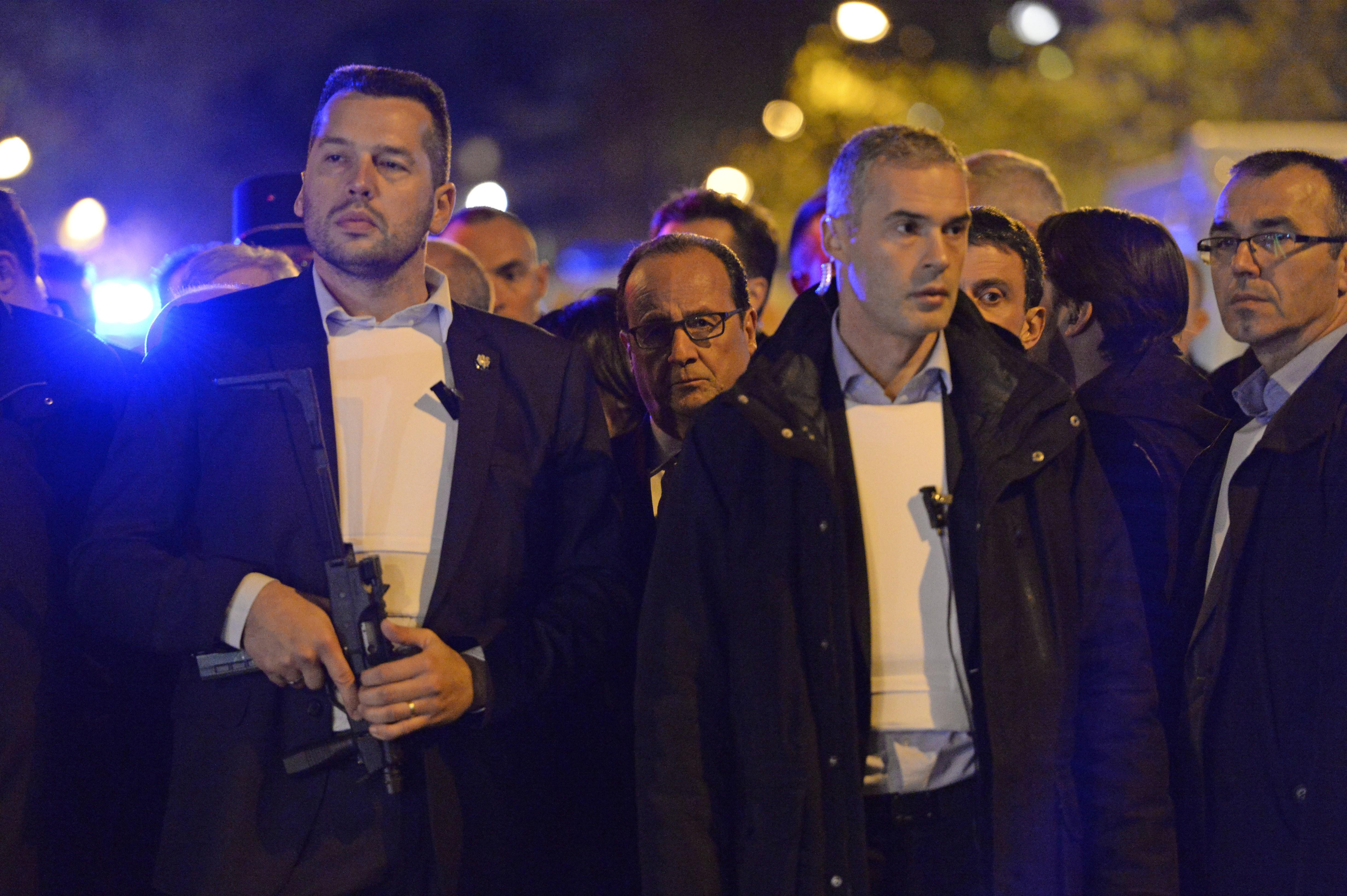 Hollande: Bu bizim açımızdan bir savaştır