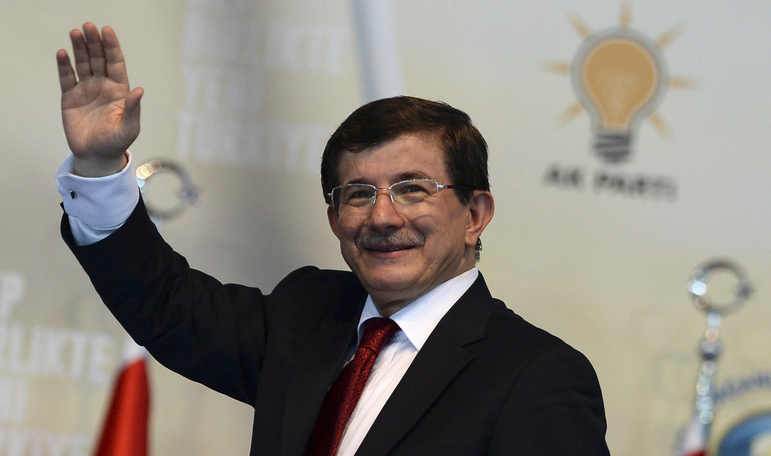 AKP vaatlerden kaçabilecek mi?