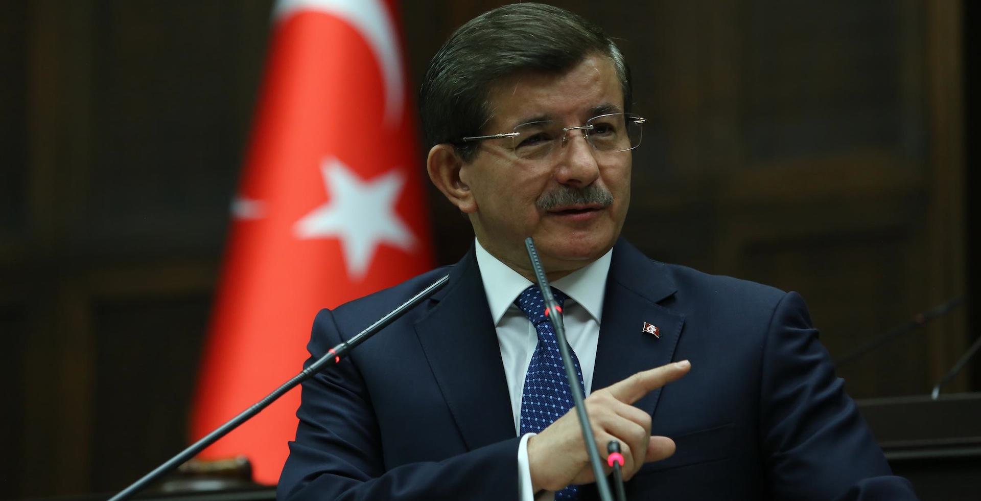Davutoğlu rol kapma peşinde: