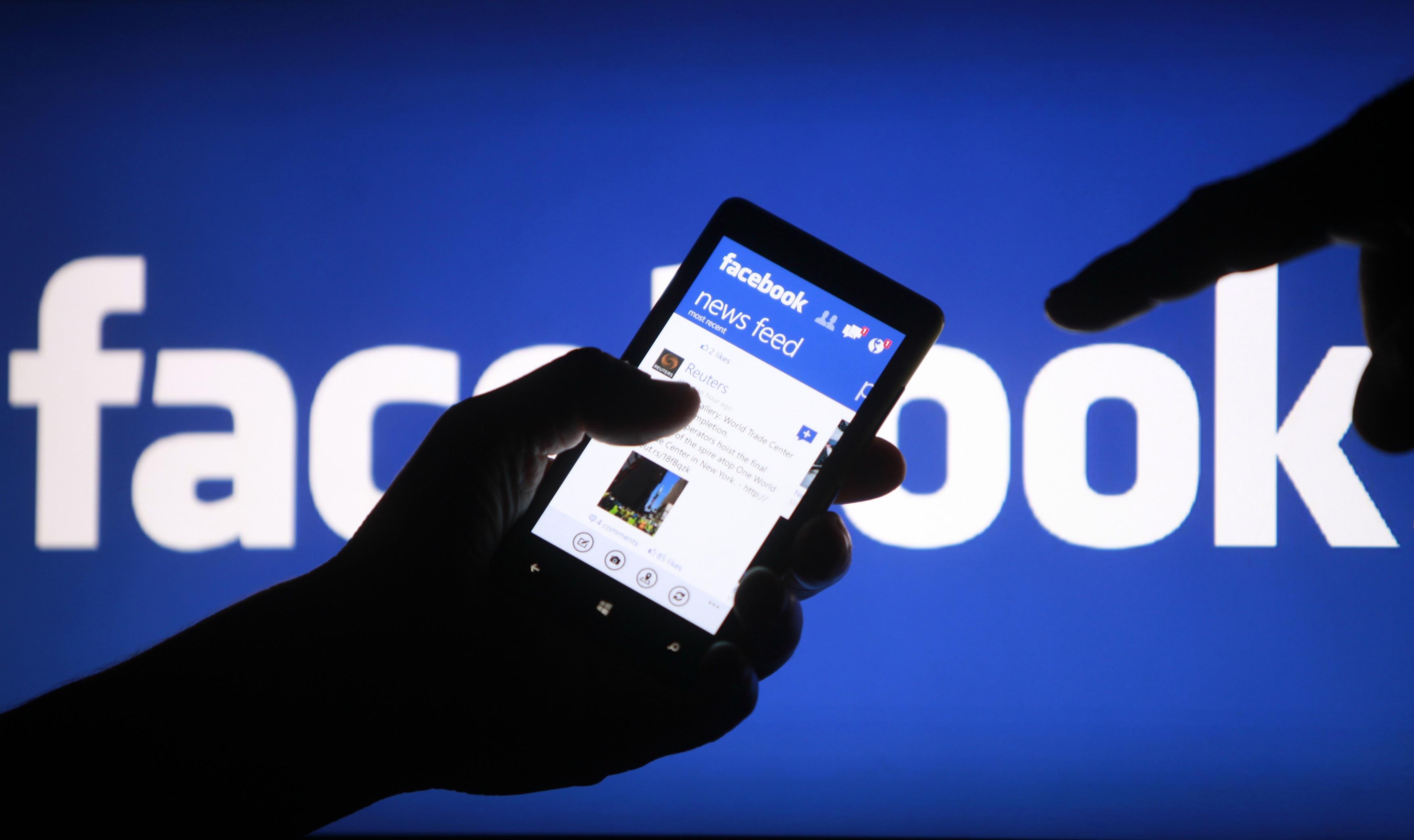 Facebook'un haber seçimini editörler yapıyormuş