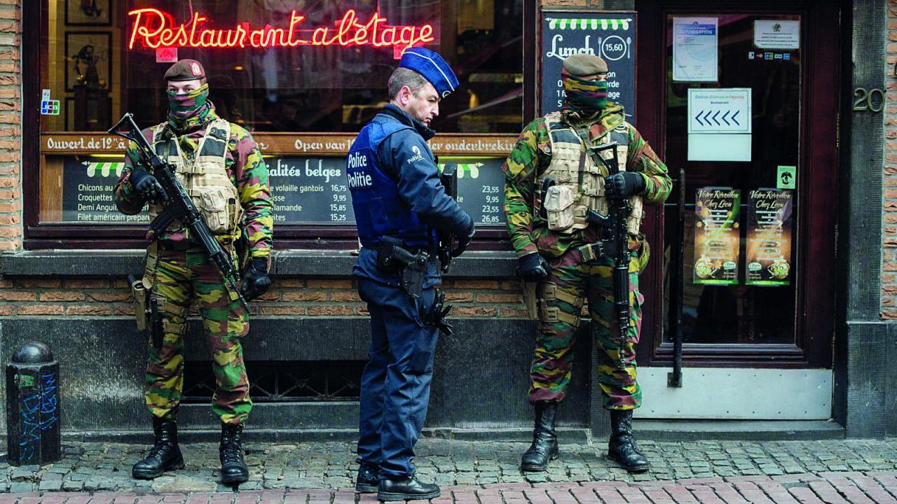 Fransa, Avrupa İnsan Hakları Sözleşmesi'ni askıya alıyor