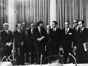 İspanya'da Franco döneminin tamamen kapandığını ilan eden ulusal uzlaşı, Moncloa Anlaşması sonrasında