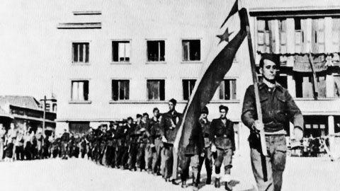 26 Kasım 1942 - Yugoslavya'da Anti-faşist Ulusal Kurtuluş Konseyi ilk toplantısını gerçekleştirdi.