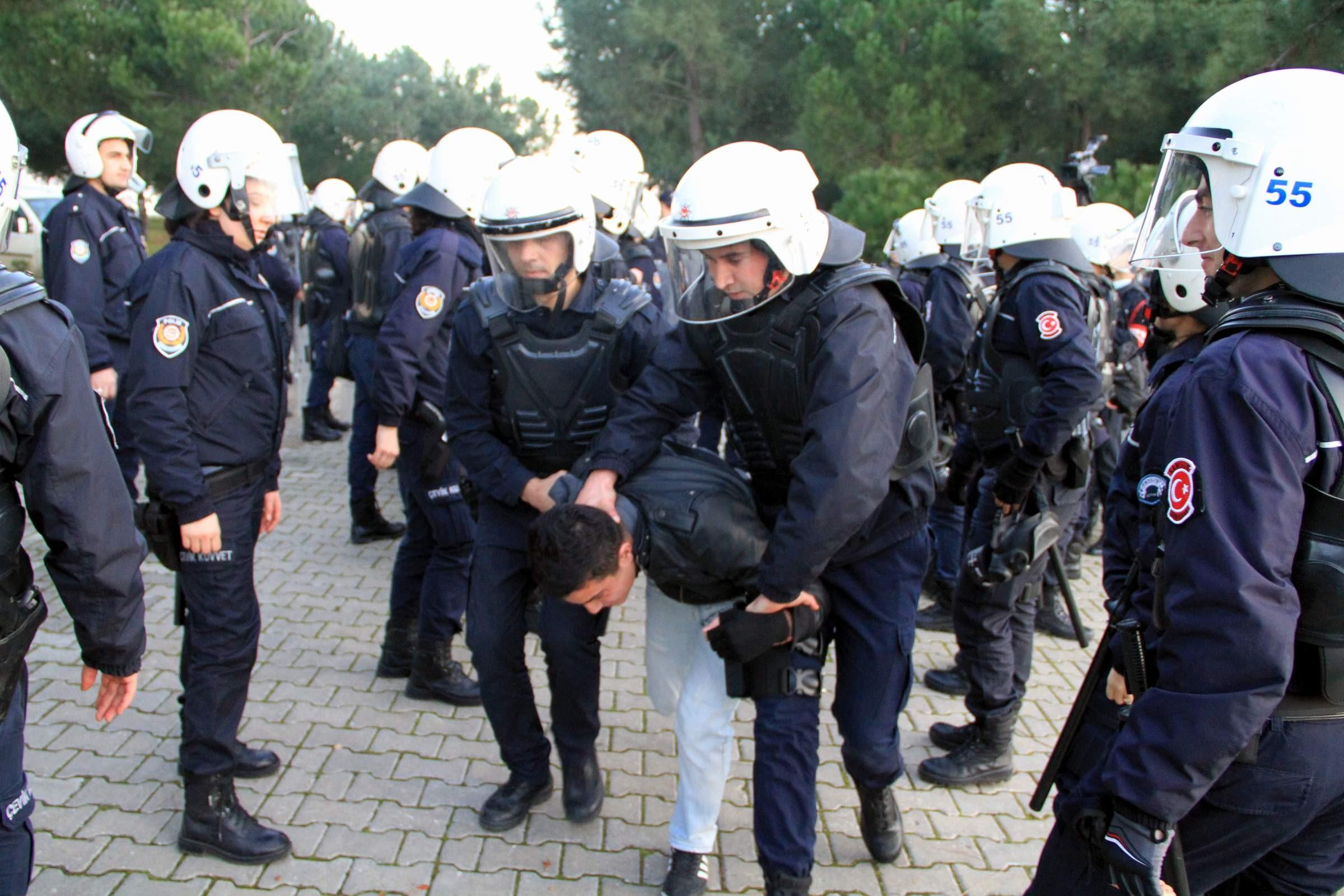 AKP'den sandıkları kuşatma harekatı