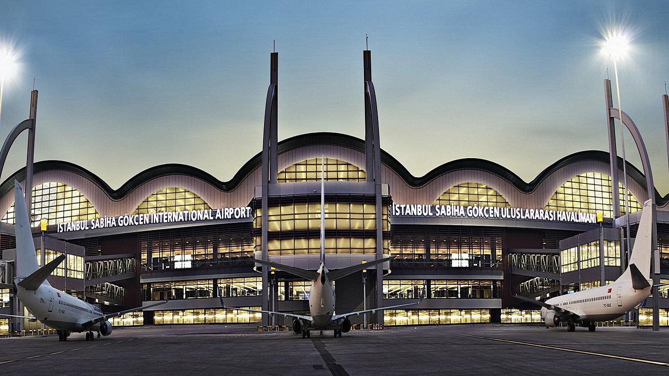 Havalimanına havan saldırısı mı yapıldı?