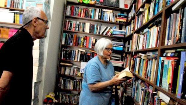 Unutulan kitaplardan yerleşik yabancılara kütüphane