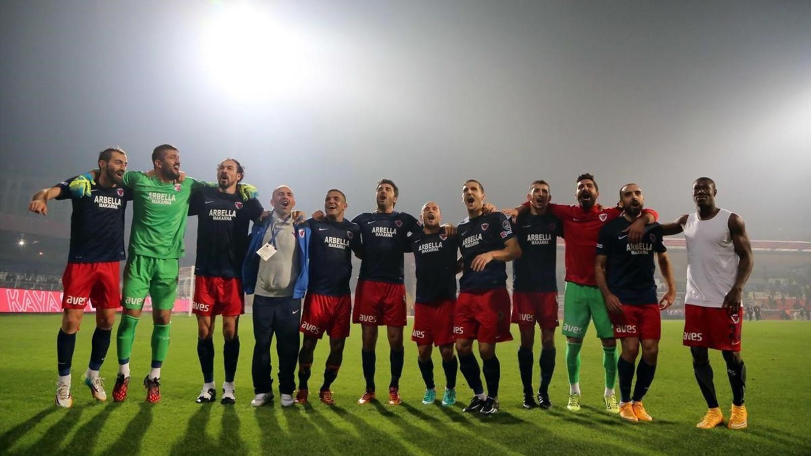 Mersin İdmanyurdu futbolcularından grev kararı