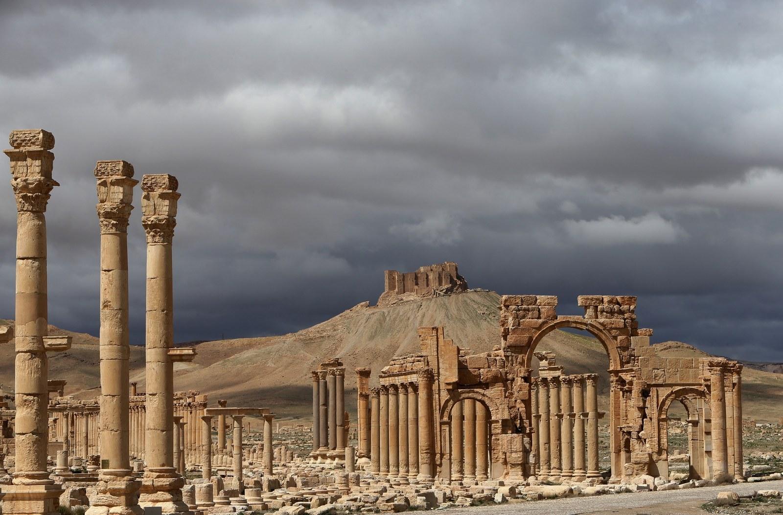 Suriye ordusu IŞİD kontrolündeki Palmira'ya girdi