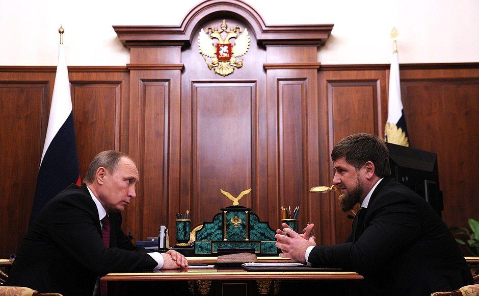 Kremlin, Putin ve Kadirov'un fotoğraflarını yayınladı