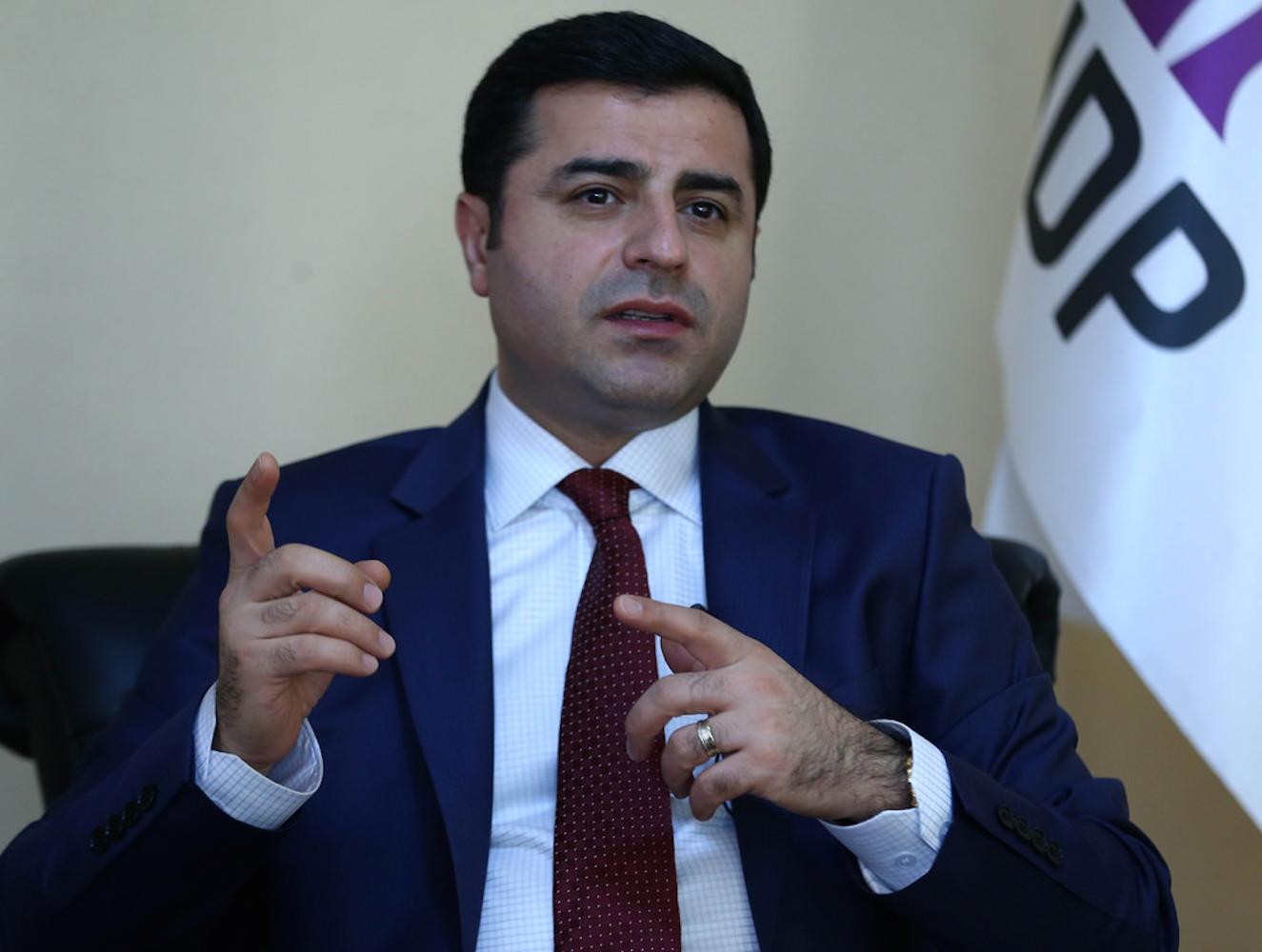 Demirtaş'tan Diyarbakır patlamasına tepki: Sorumlular özür dilesin