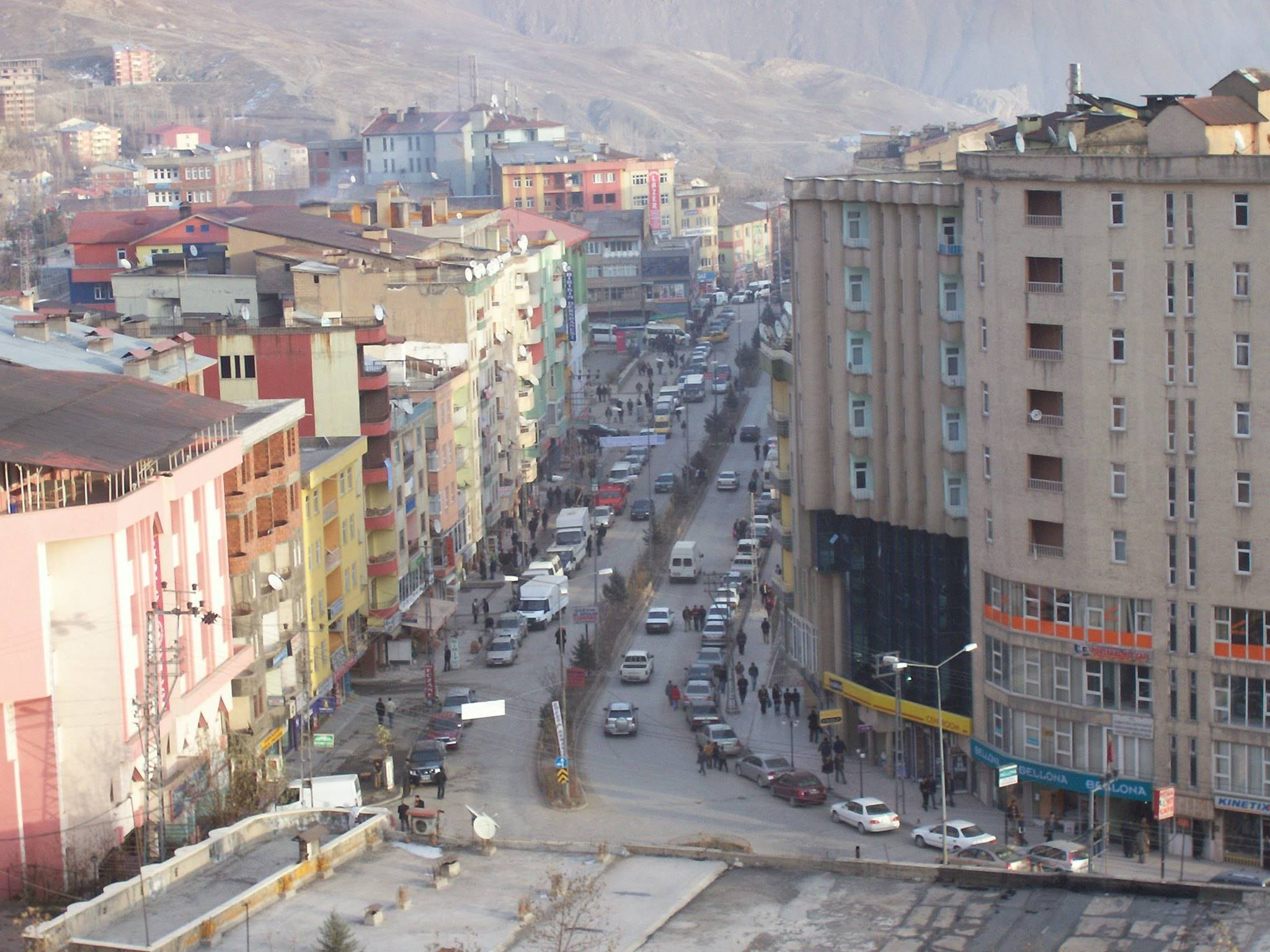 AKP Hakkâri il merkezini Yüksekova'ya, Şırnak il merkezini de Cizre'ye taşıyor