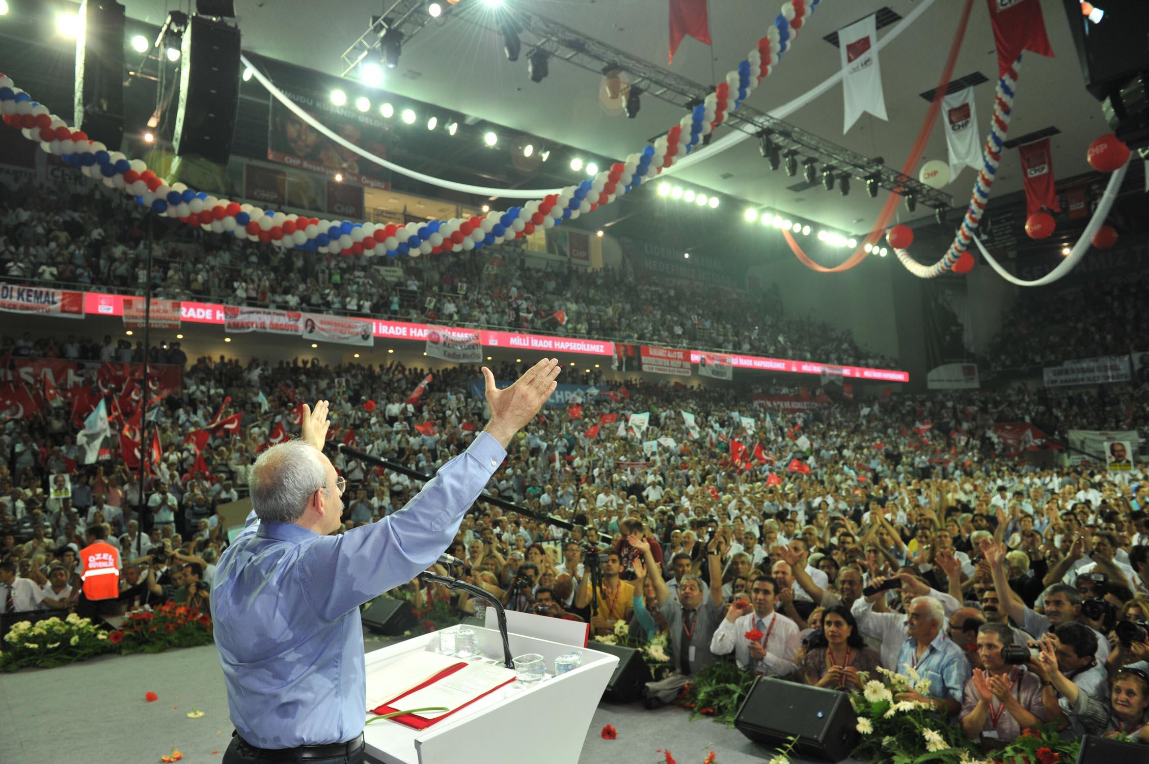 Kılıçdaroğlu'nun listesi delik deşik: CHP'de liste savaşları bağlandı