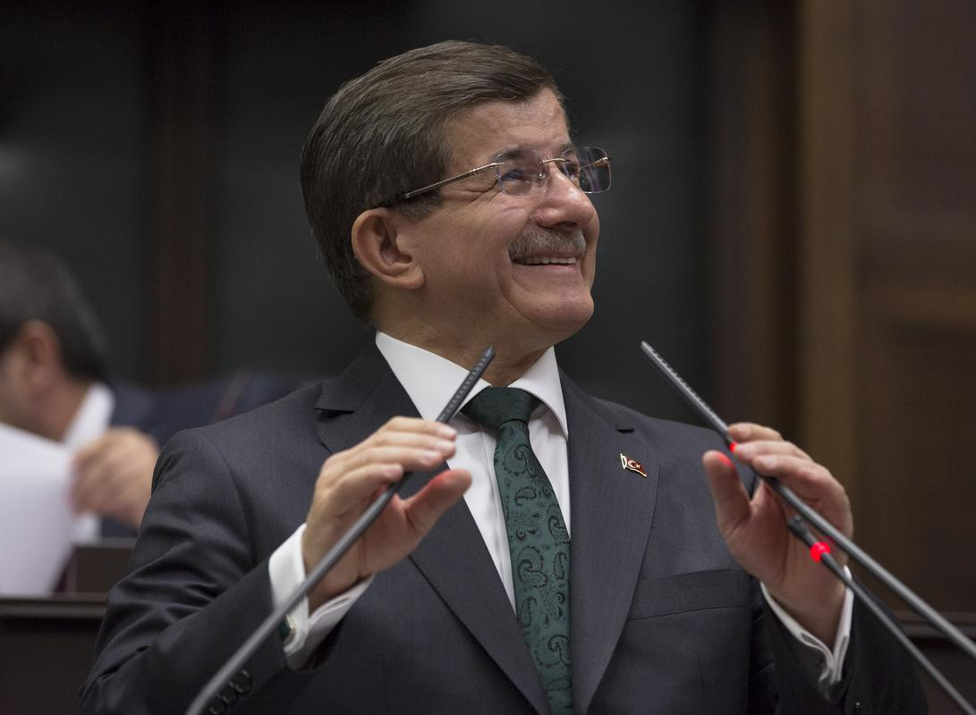 Davutoğlu: Suriye'de barış için görüşülemez