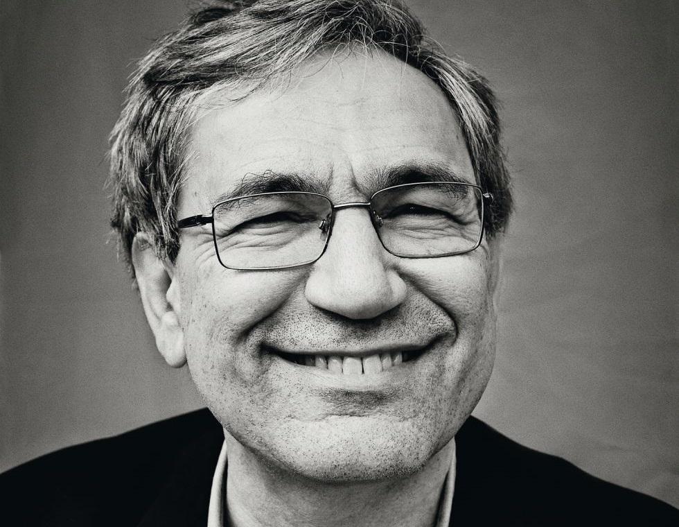Yetmez ama Evet'çi Orhan Pamuk'tan imzacı akademisyenlere destek