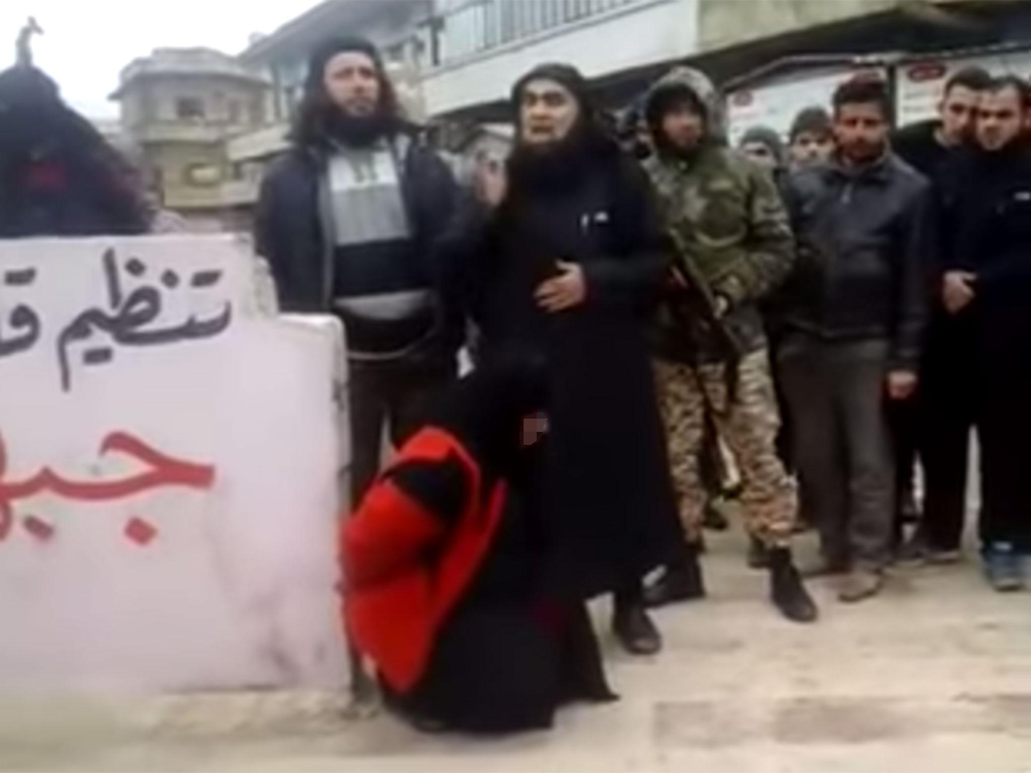 IŞİD militanı annesini 'dinden döndüğü' için infaz etti