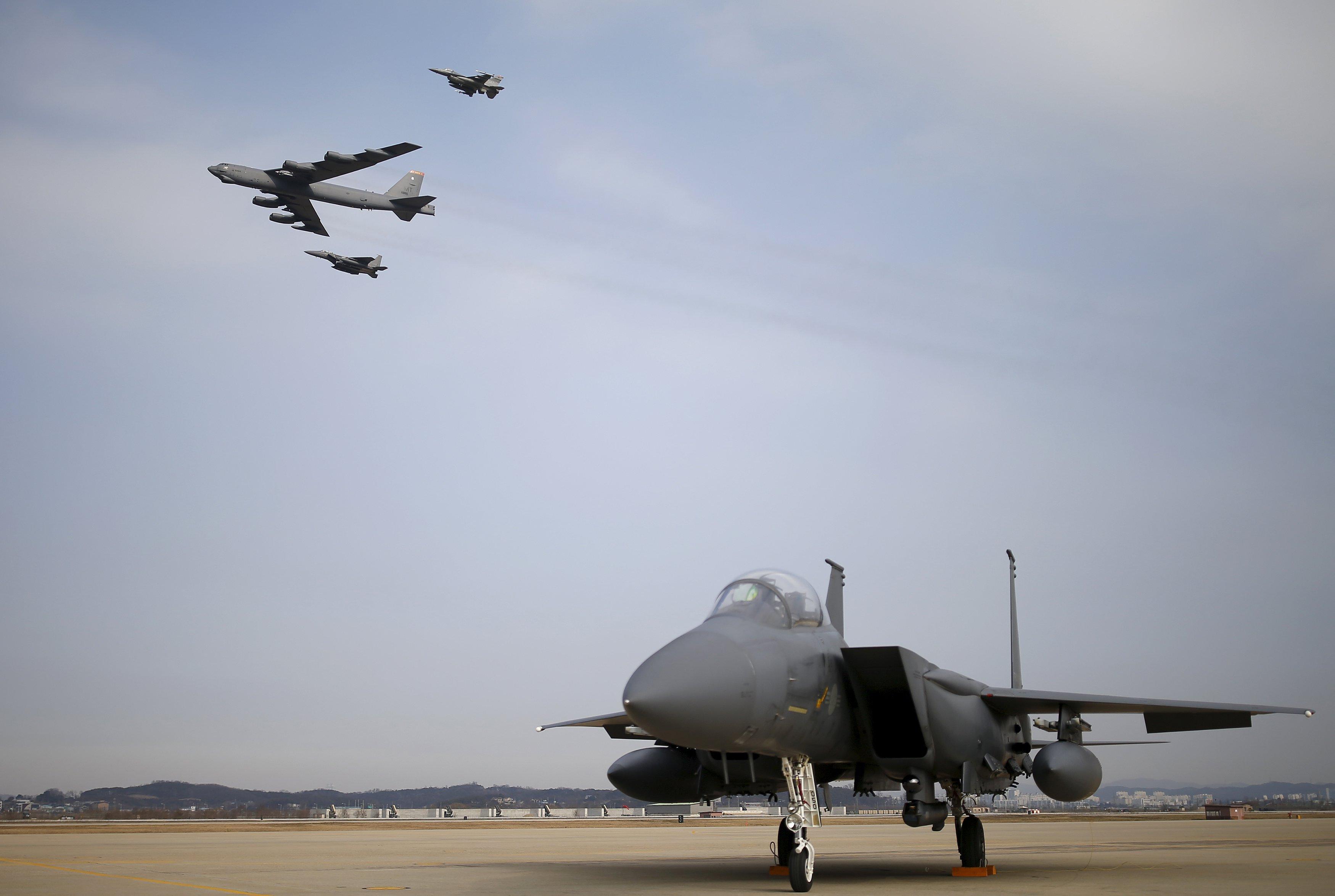 Küresel haydut, Kore'de B-52'lerle provokasyon peşinde