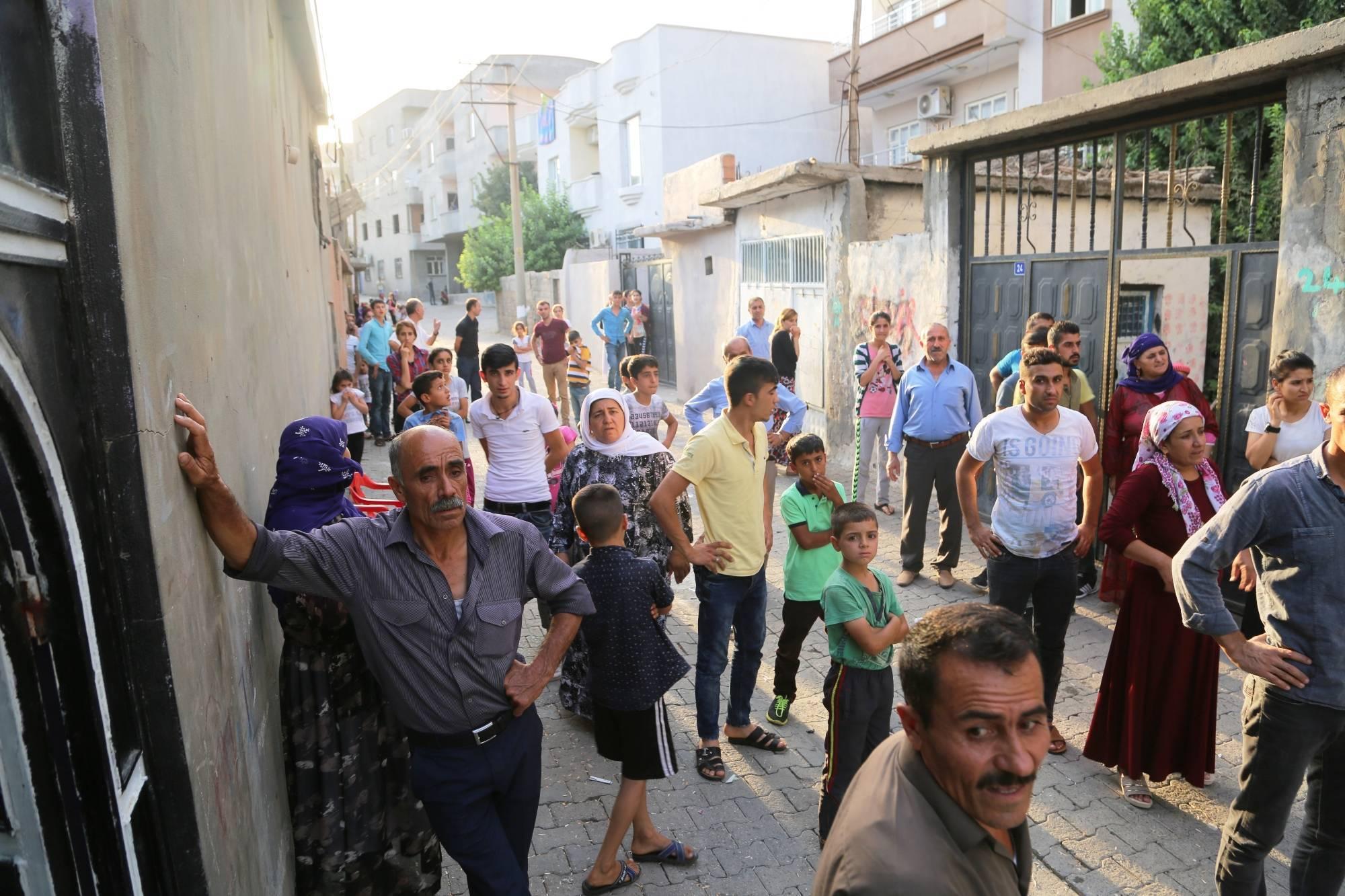 Silopi'de halk açlıkla'terbiye edilmeye' çalışılıyor