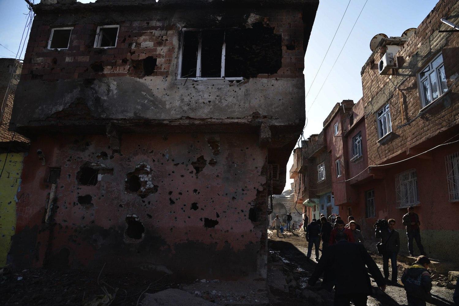 AKP'nin Sur'daki rant planlarına tanıtım İsmet Berkan'dan