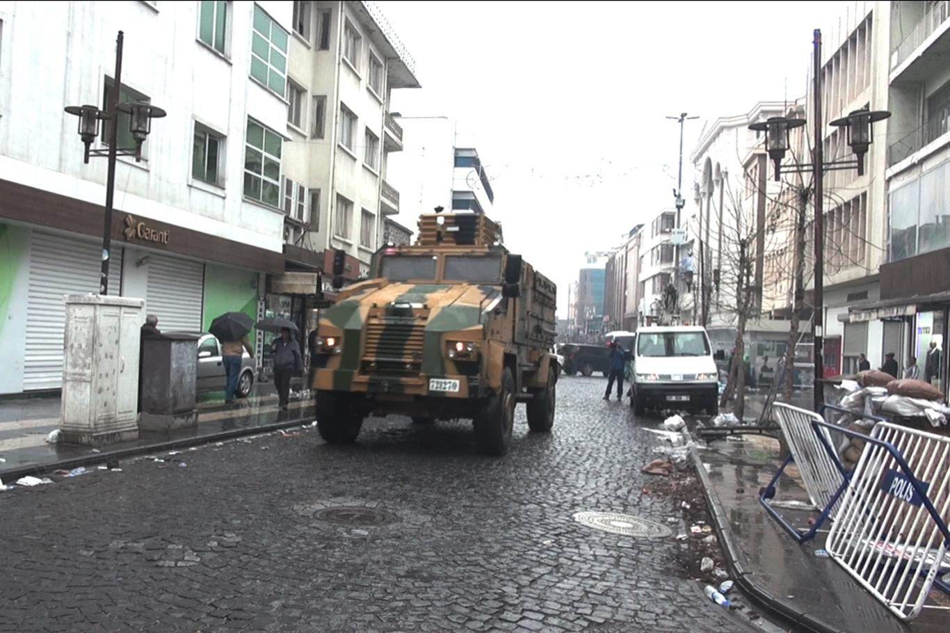 'Özyönetim ilanı' soruşturması ardından keskin nişancı alarmı