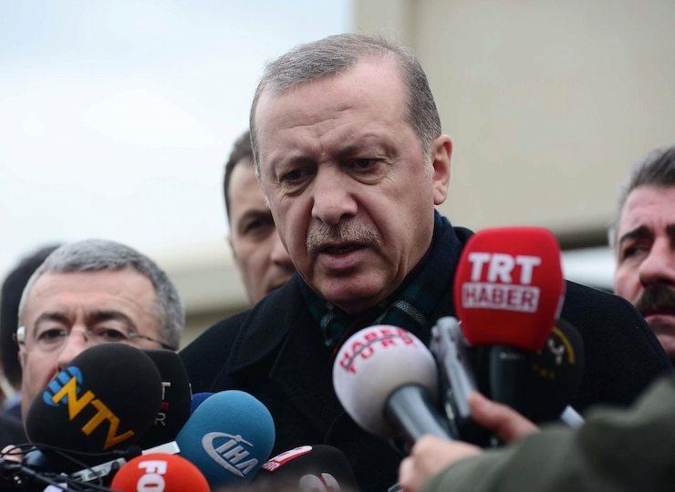 Erdoğan yine akademisyenleri hedef gösterdi