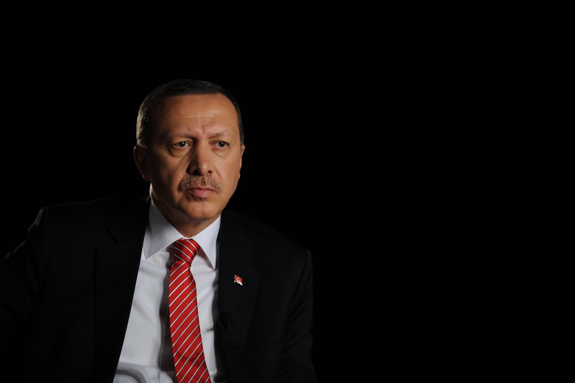 Erdoğan'dan akademisyenlere: Aydın müsveddesi, cahiller
