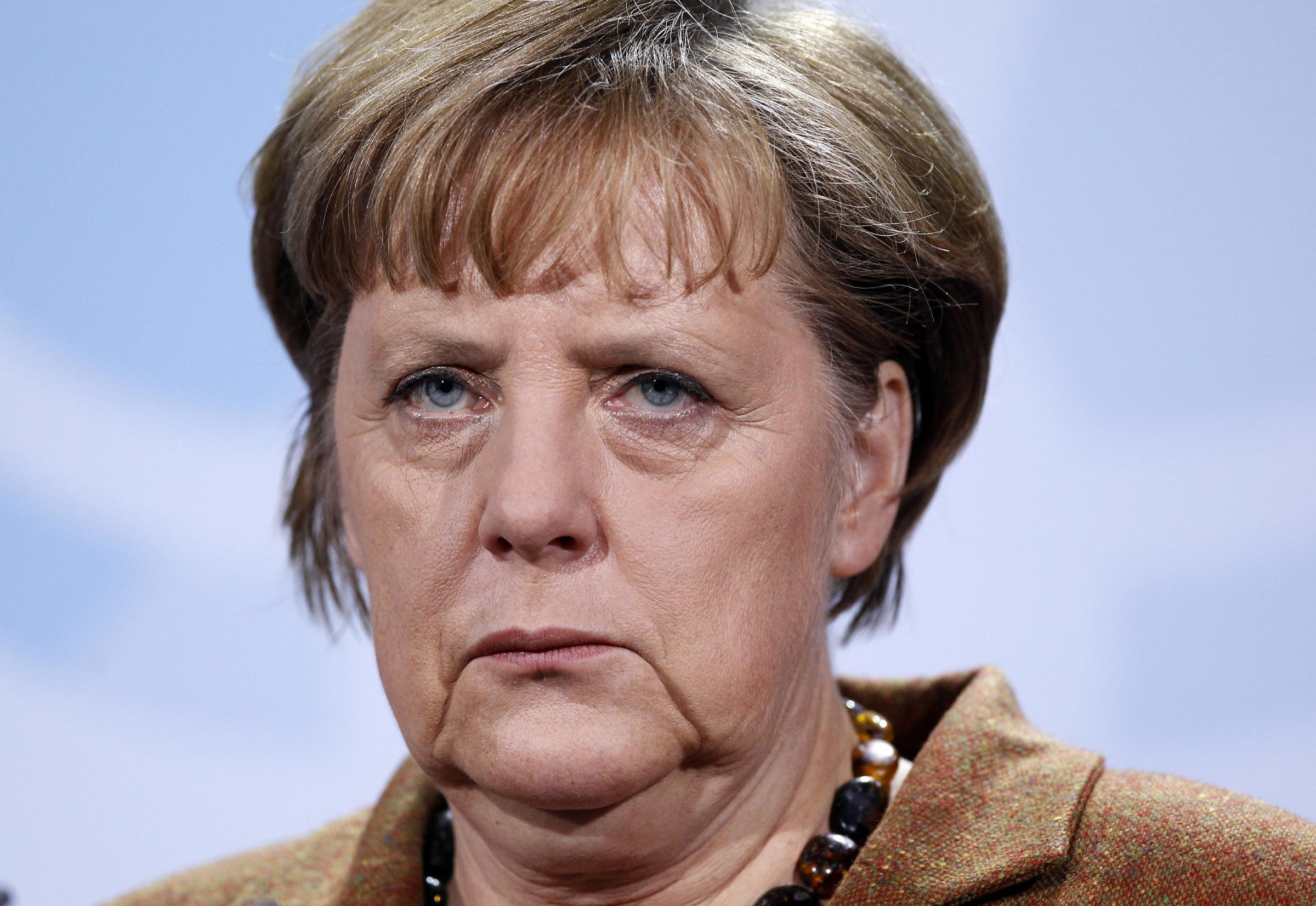 Merkel: Schengen ölürse Euro da hayatta kalamaz
