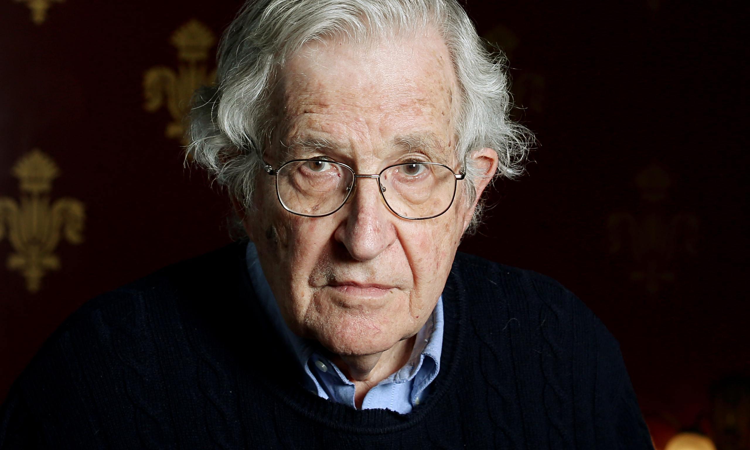 """Chomsky """"Erdoğan birçok yoldan yardım ettiği IŞİD'i suçluyor"""""""