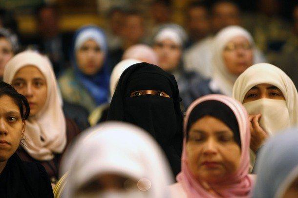Suad Salih: Kadın köleler ancak 'meşru savaş'larda alınabilir