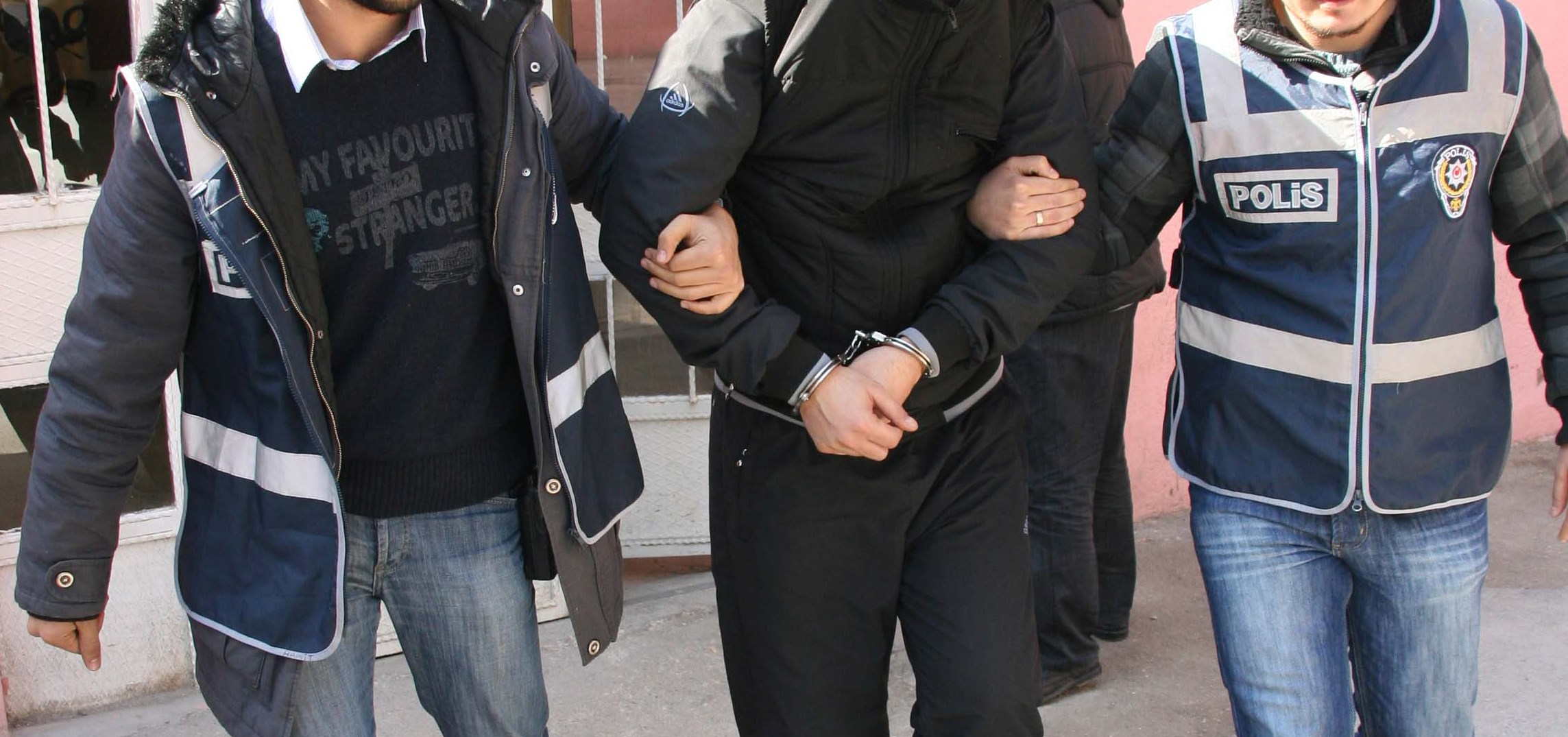 #Ankara saldırısıyla ilgili 14 kişi tutuklandı