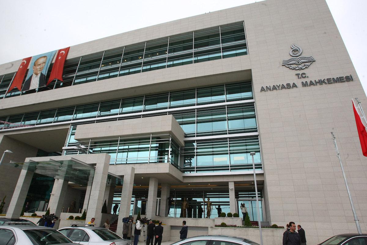 Anayasa Mahkemesi, 2 yıl 2 ay 28 günlük tutukluluğu fazla buldu