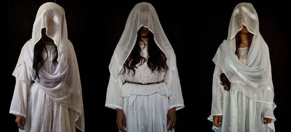 IŞİD  bir kızı 8 kişiye satıp 100 kere tecavüz etmiş