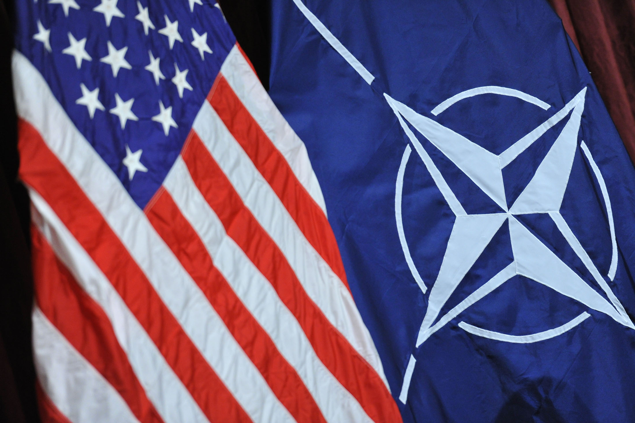 NATO ve ABD'den Rusya'ya uyarı: Bombalamaları durdurun