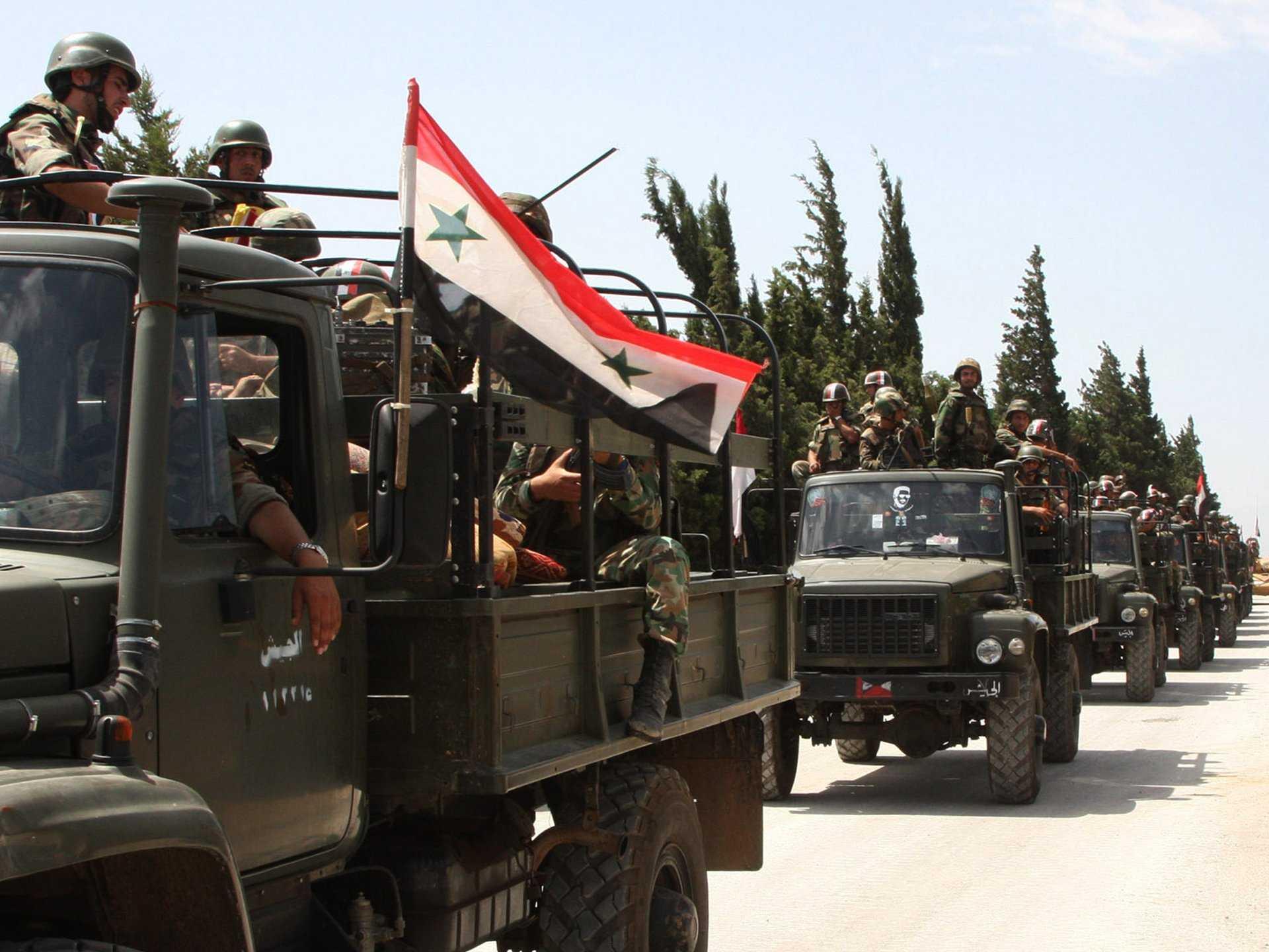 Suriye Ordusu Rakka'yı vurdu, Azez'e ilerliyor