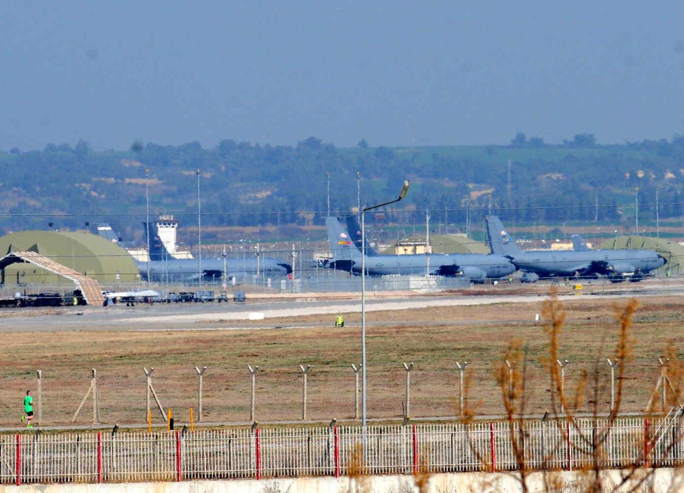 ABD Türkiye'deki personelinin ailelerini tahliye etmeye başlıyor