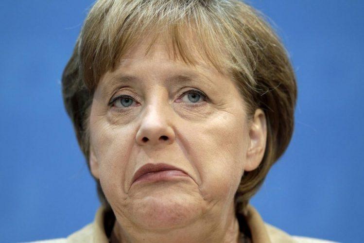 Merkel hem nalına hem mıhına