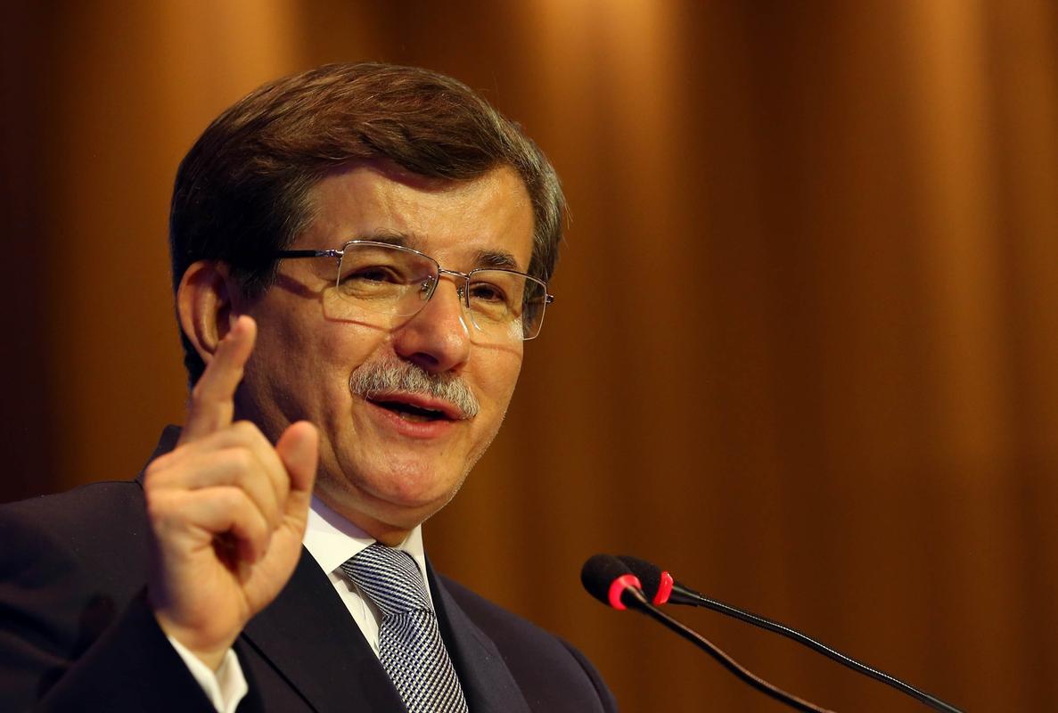 Davutoğlu, intihar bombacılarını bulamıyor ama teröristlere atılan bombaları sayıyor
