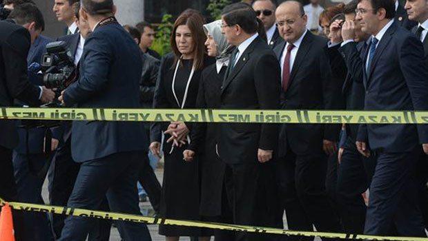 Davutoğlu: Türkiye güvenli bir ülke, gönül rahatlığıyla gelebilirsiniz
