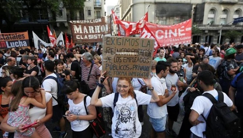 Sınıf Arjantin'de ses verdi: Sınıfa saldırılara karşı genel grev