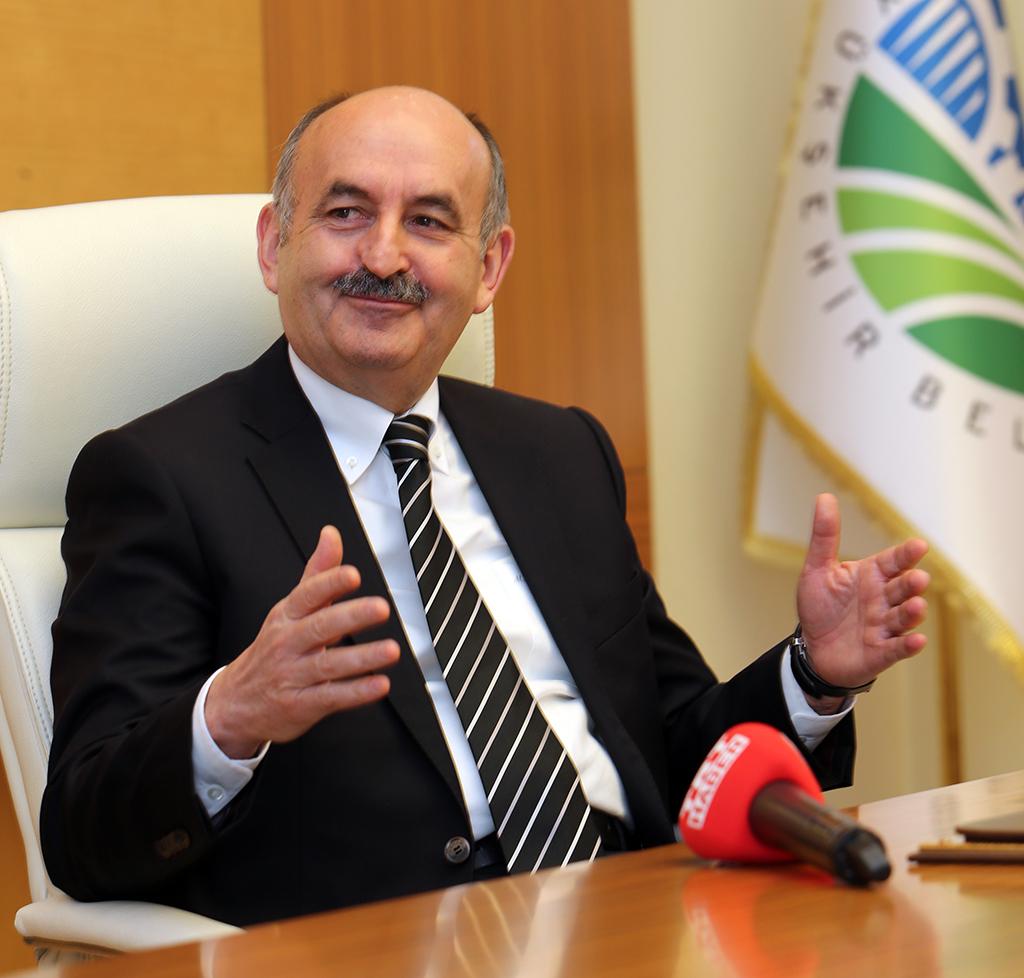 Sağlık Bakanı kontrolünü kaybetti: Duruşumuzun Savaş Bakanlığı olarak algılanmasından onur duyarım