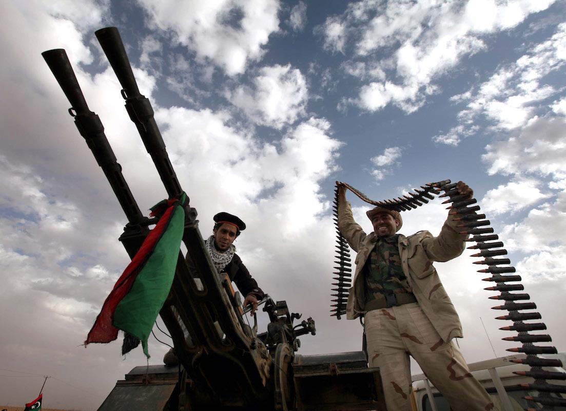 ABD ve Türkiyeli şirketler Libya'ya silah ambargosunu deliyor