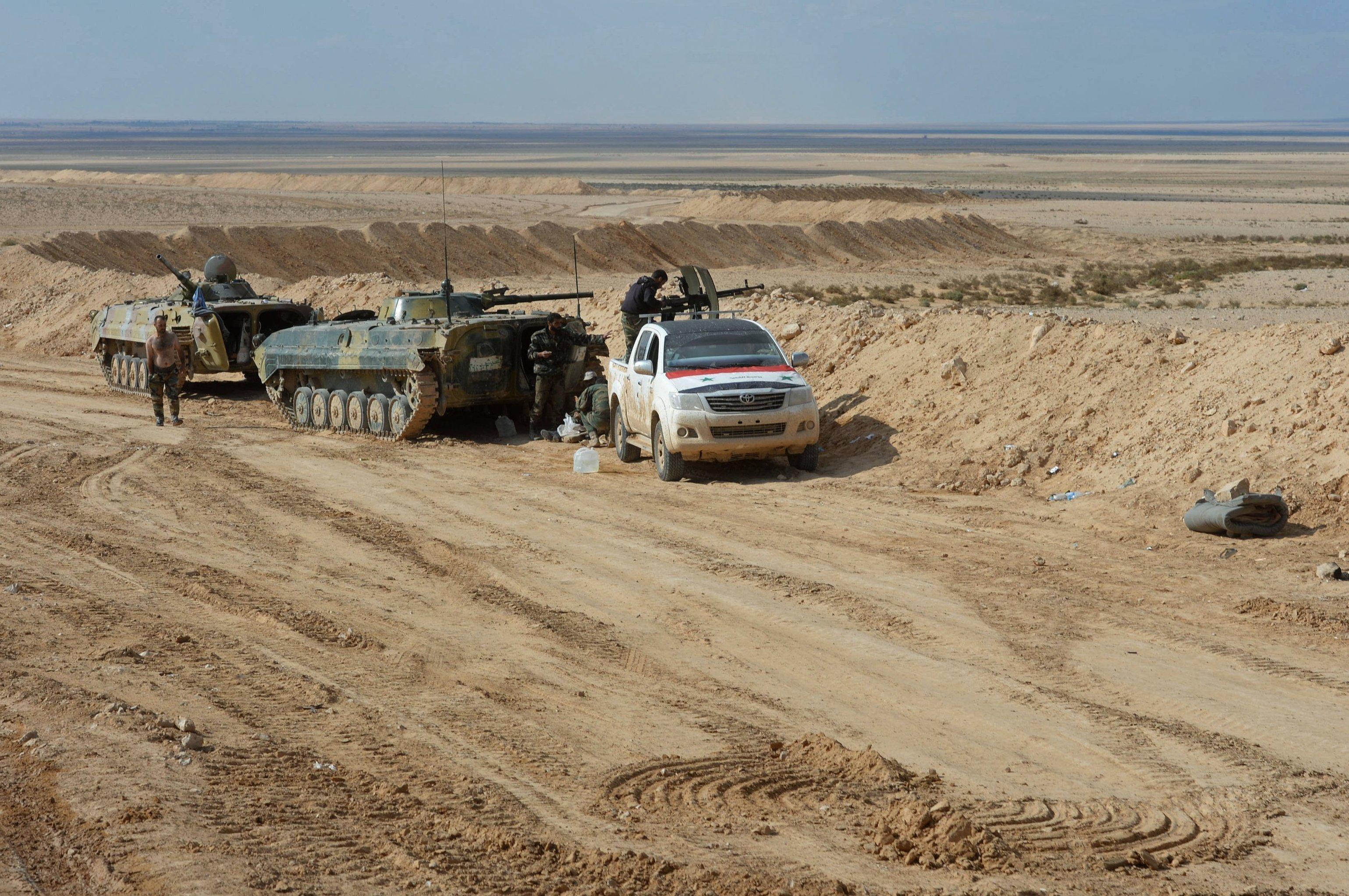 Suriye Ordusu Palmira'ya giriyor